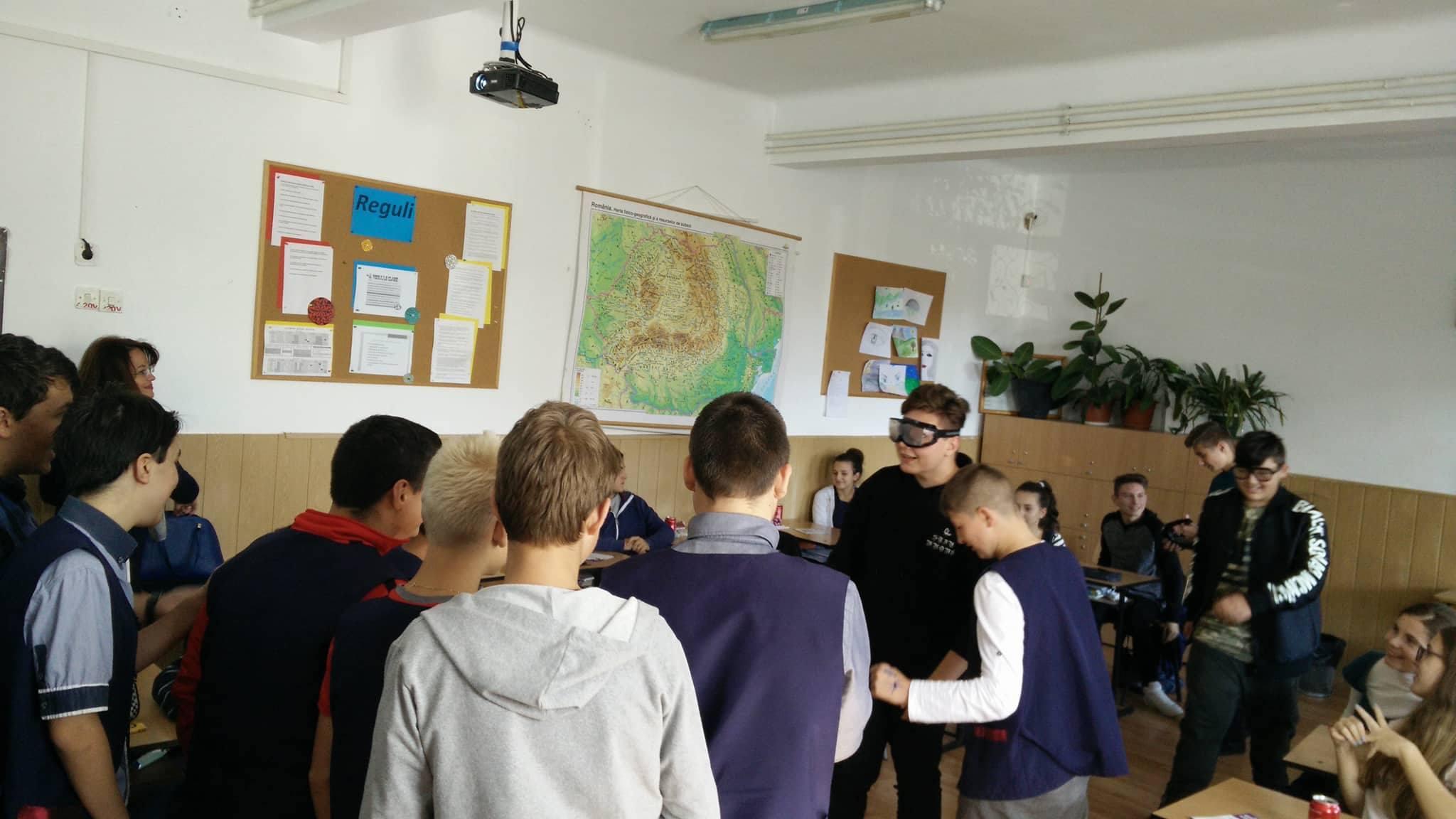 Luna octombrie a debutat la Centrul de Resurse pentru Adolescenți din Cluj-Napoca cu o campanie dedicată prevenției consumului de alcool. Prima activitate din cadrul campaniei s-a desfășurat la Liceul Teologic Ortodox și au participat 22 de elevi din clasa a VIII-a. Aceștia s-au implicat activ pe parcursul activității, au discutat despre diferiți factori de risc asociați consumului de alcool și despre efectele acestuia. Seria de întâlniri cu tema prevenției consumului de alcool face parte din campania UNICEF de prevenire a comportamentelor de risc întitulată Chiar și o dată e prea mult.